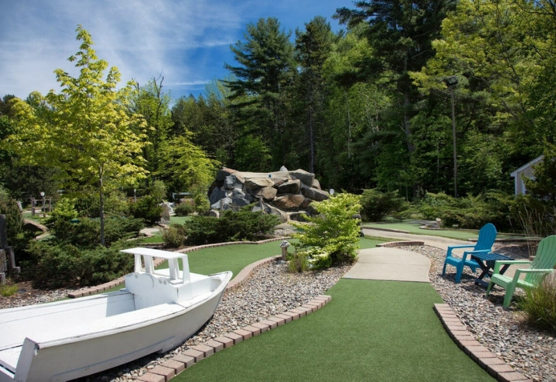 outdoor course at Golfer's crossing mini-golf next to Country Inn at Camden Rockport