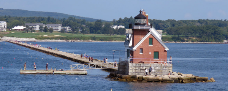 best lighthouses camden maine - rockland breakwater lighthouse
