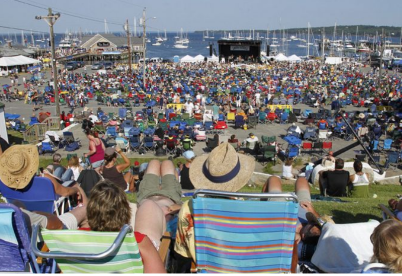 things you didn't know about the north atlantic blues festival - crowd enjoying the show