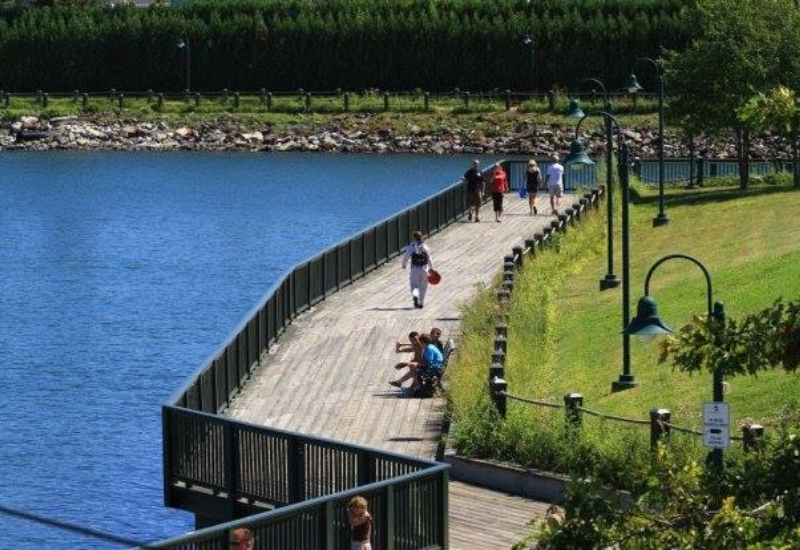 Rockland Harbor Trail is a great family-friendly and kid-friendly activity in Rockland Maine